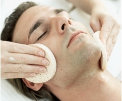 Feel relaxed and get in instant clear face after face cleaning from Saheb Al Anaqa Salon for just SR 40.