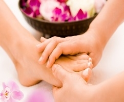 Get rid of stress with a relaxing massage session only for ladies at Al Dhuha Physical Therapy Center only for SR 200.